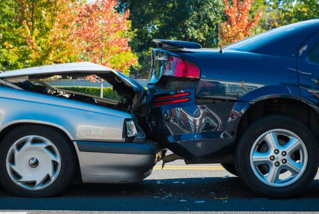 תאונה בין שני רכבים
